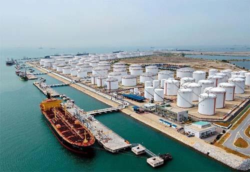 تقویت ارزش دلار قیمت نفت را کاهش داد