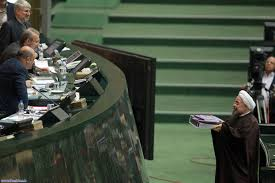 تله گذاری سه گانه منتقدان مجلسی دولت برای روحانی/پیامدهای نامبارک بودجه 95