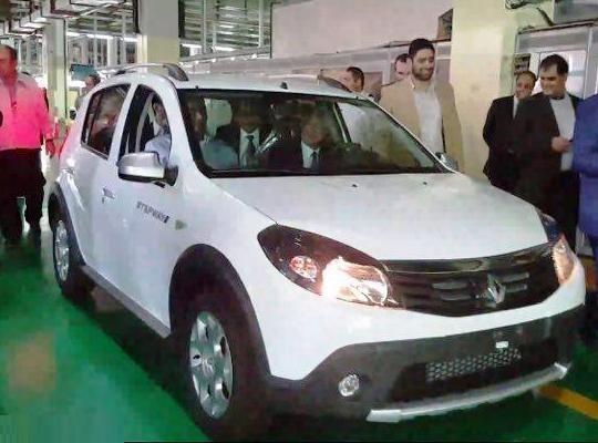ورود مجلس به موضوع نوسان قیمت ها در بازار خودرو/ پیگیری فروش خودرو در بورس
