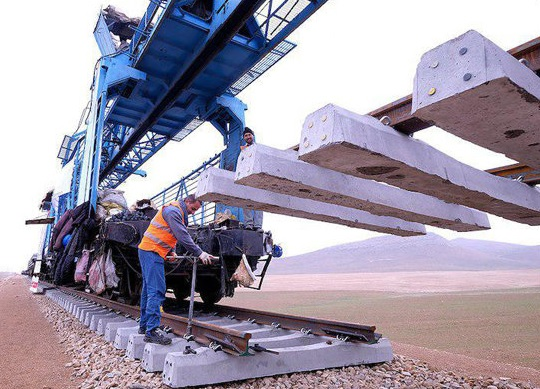 آذربایجان ۰٫۵ میلیارد دلار در حمل ریلی ایران سرمایه گذاری میکند